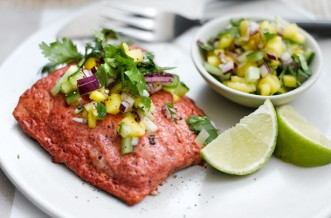 Weight Watchers tandoori salmon with spicy mango salsa