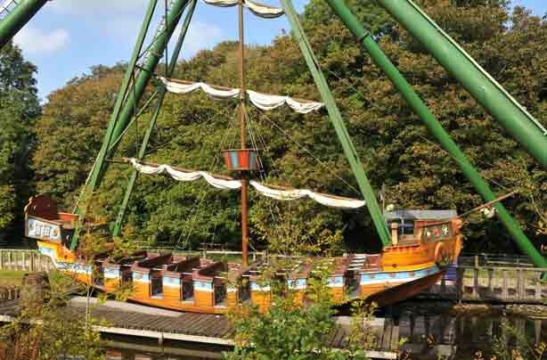 The Uk 39 S Best Budget Theme Parks Oakwood Theme Park