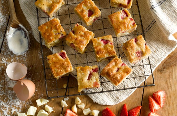 Strawberry and macadamia blondies