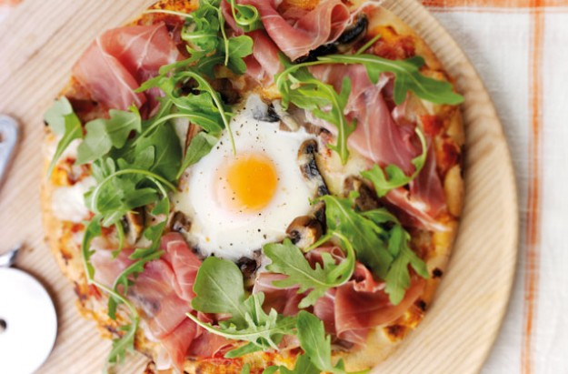 Baked Egg pizza