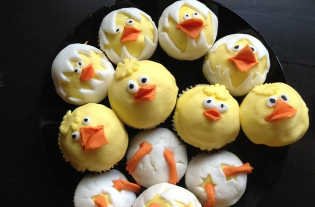 Caroline's Easter chick cupcakes