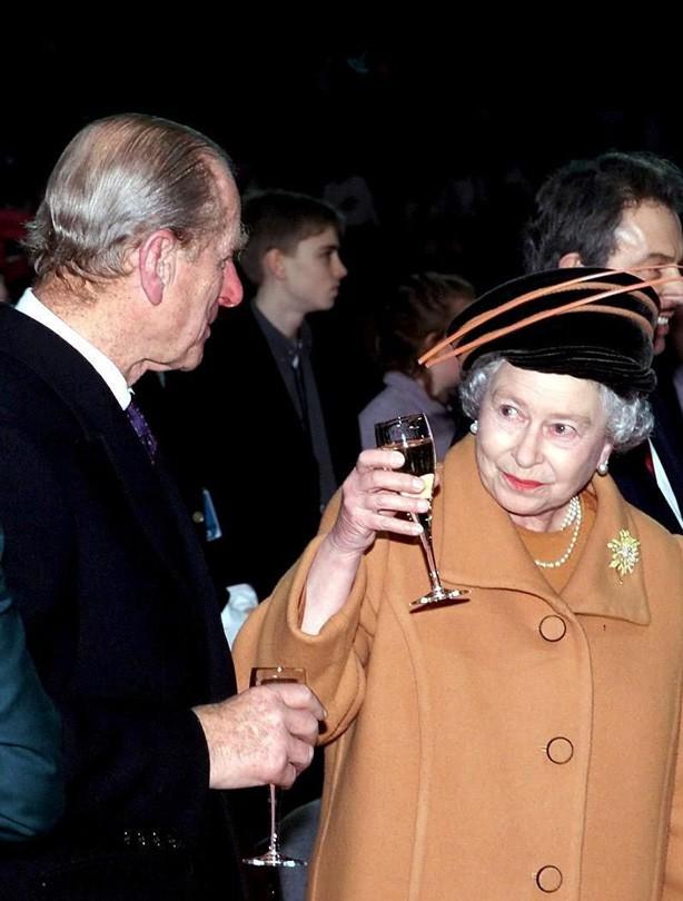 The Queen: 2000