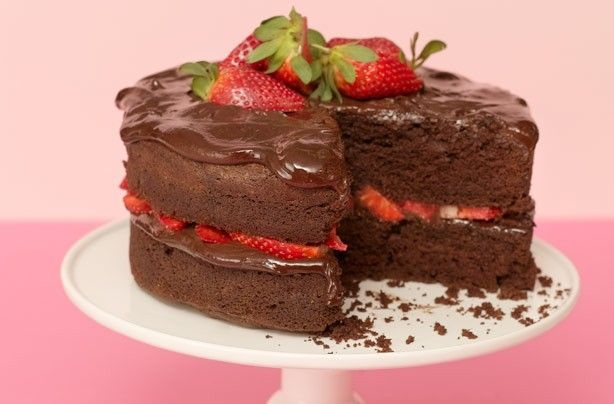 A delicious and yummy chocolate cake that looks as good as its taste. It is quite easy to make this perfect tea-time treat.