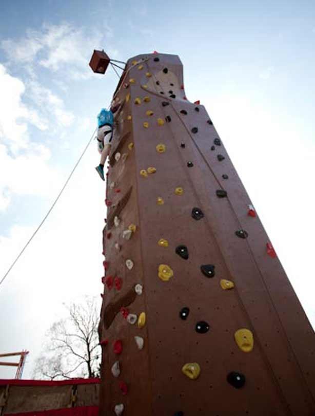 Mt Rocky winner Keiran Nash reaching the top