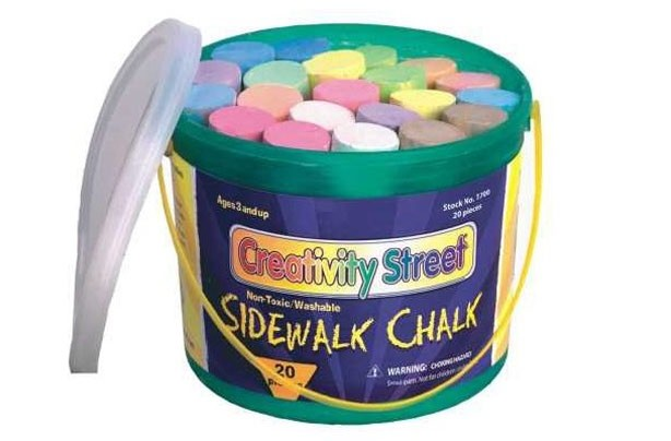 50 outdoor toys for summer: 20 giant chalks