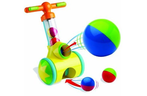 50 outdoor toys for summer: Tomy Play to learn Pic-N-Pop walker