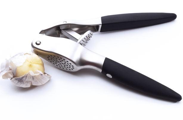 Household gadgets: Garlic press