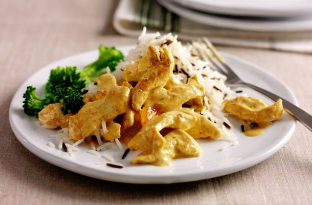 Creamy coronation chicken