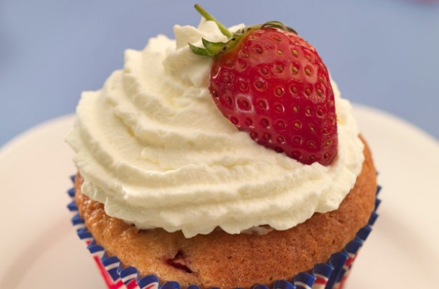 Strawberry and cream cupcake
