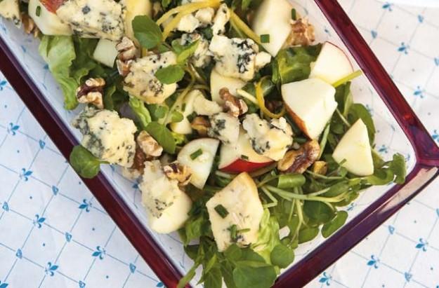 Stilton, apple and walnut salad