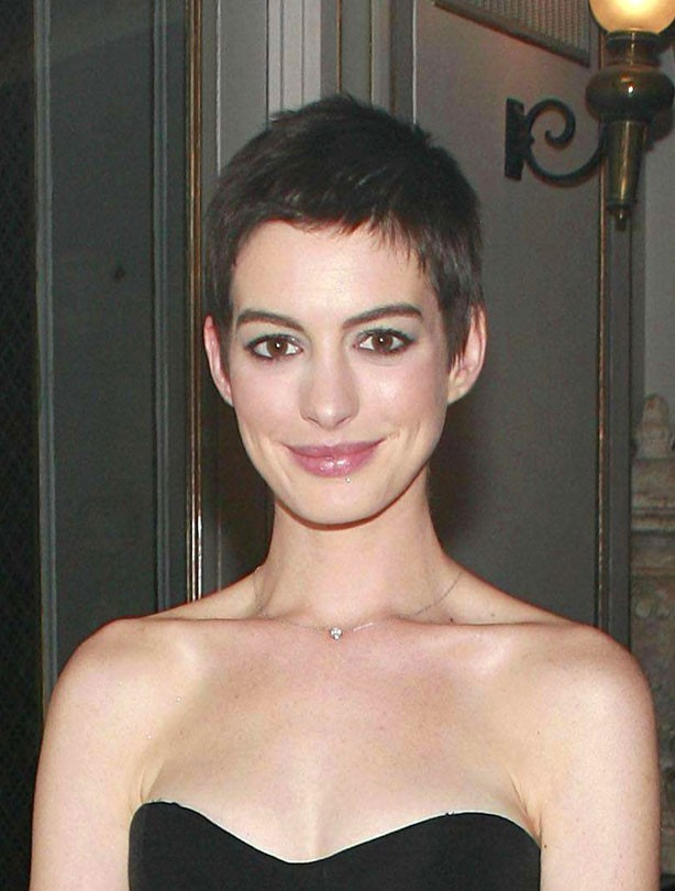 celebrity anne hathaway hairstyle pictures