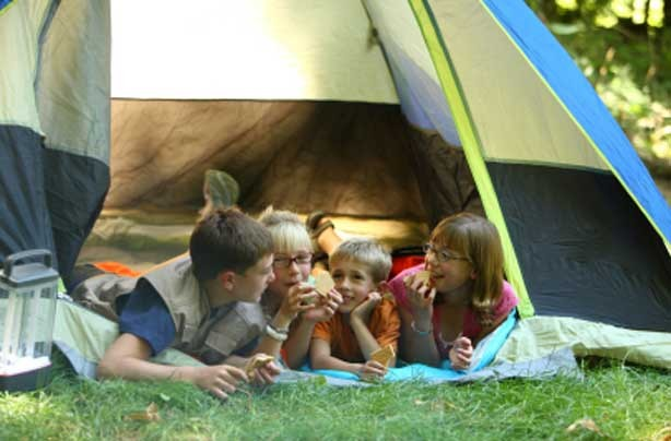 Cheap holidays: save money and go camping!
