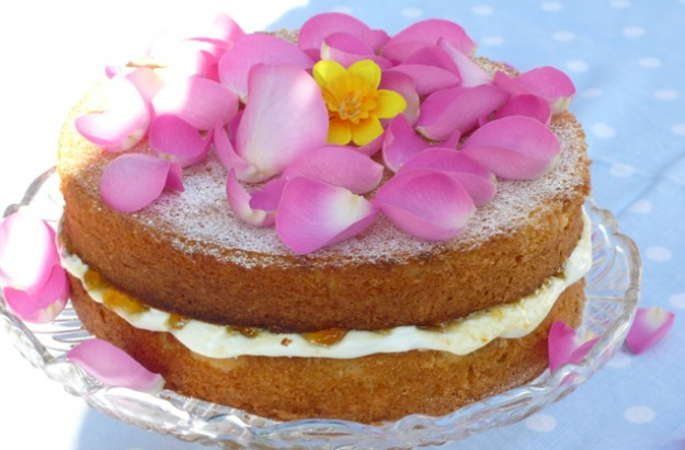 Fiona Cairns' almond apricot rose petal cake