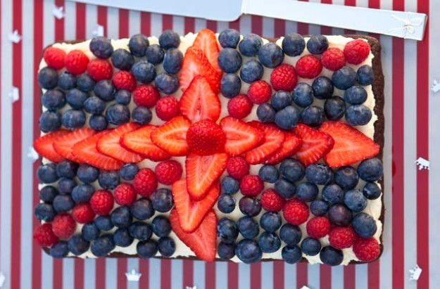 Berry patriotic cake