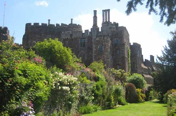 Cheap days out Berkeley Castle