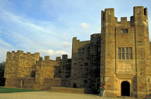 Cheap days out Castle Drogo_credit_Visit Britain_Britain On View