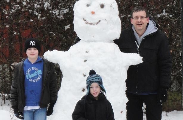 Darren's snowy family photo