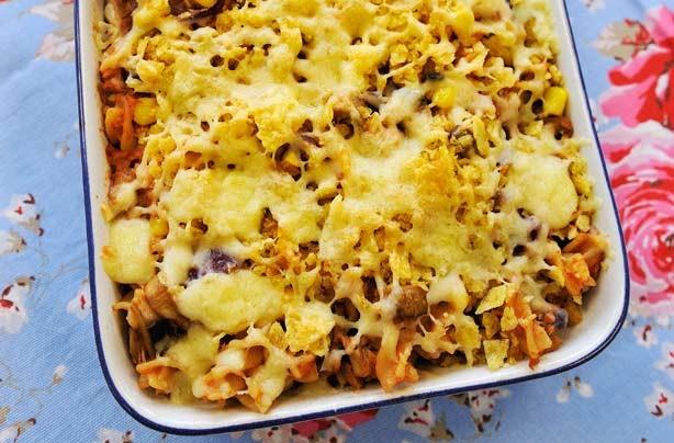 Tuna, sweetcorn and pasta bake