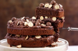 Maltesers_chocolate_cake