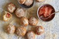 Apple Doughnuts with Apple pur�e
