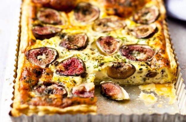 Fig and roquefort cheese flan