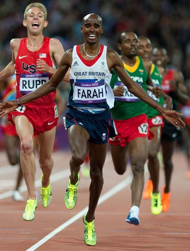 Mo Farah wins 5000m