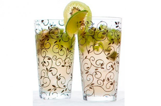 Kiwi and ginger cocktail