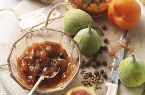 Fig and apricot chutney