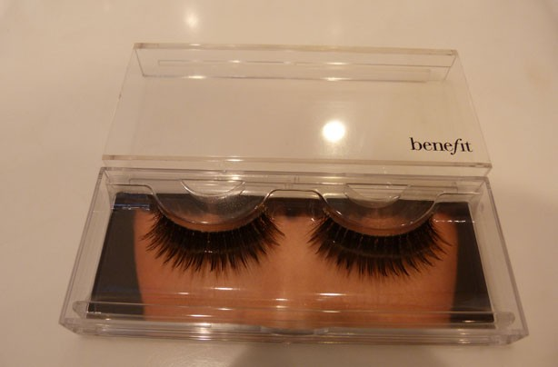 Benefit how to: apply false lashes