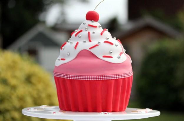 Large maderia cupcake