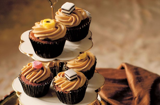 Fiona Cairns' Liquorice toffee cupcakes
