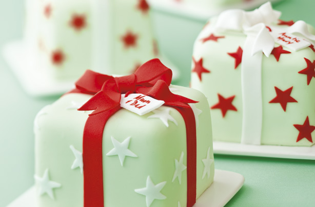 All wrapped up Christmas cake recipe - goodtoknow