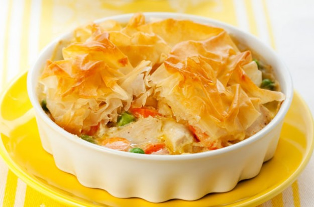 Low fat chicken and vegetable pies
