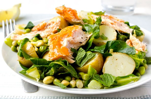 Warm salmon and minted vegetable salad
