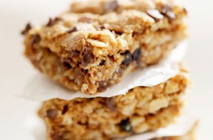 Chocolate chip granola bars