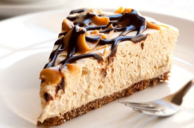 Toffee chocolate cheesecake