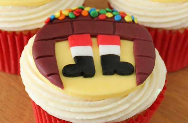 Santa chimney cupcakes