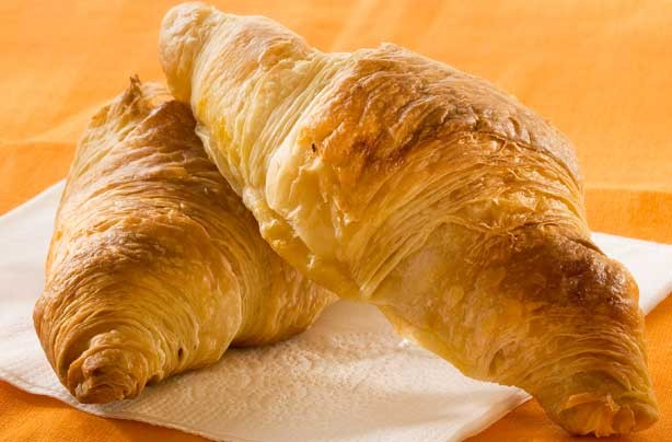 Breakfast in bed ideas: Croissant
