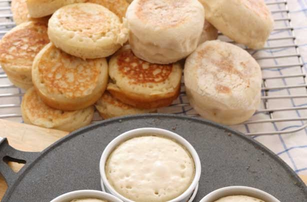 Breakfast in bed ideas: Crumpets