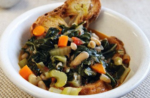 Italian cabbage and white bean stew recipe