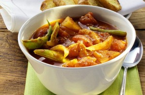 Vegetable pepper pot with tomatoes and green beans recipe