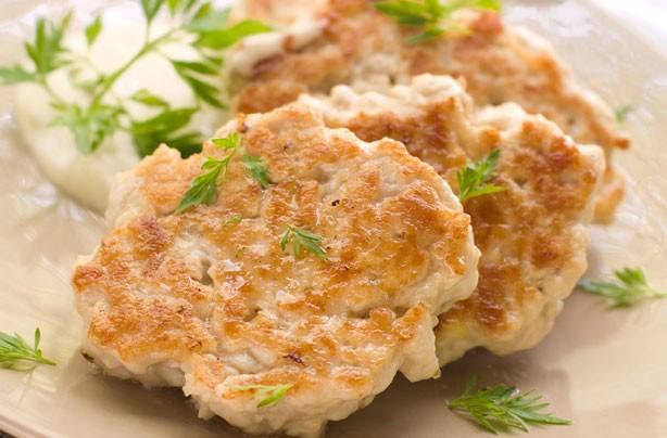 Turkey patties with garlic mayonnaise dip recipe