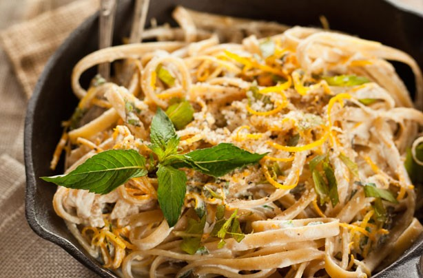Linguine with creamy lemon and mint dressing