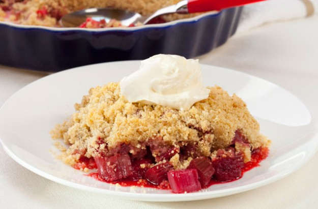 Sticky rhubarb and ginger crumble