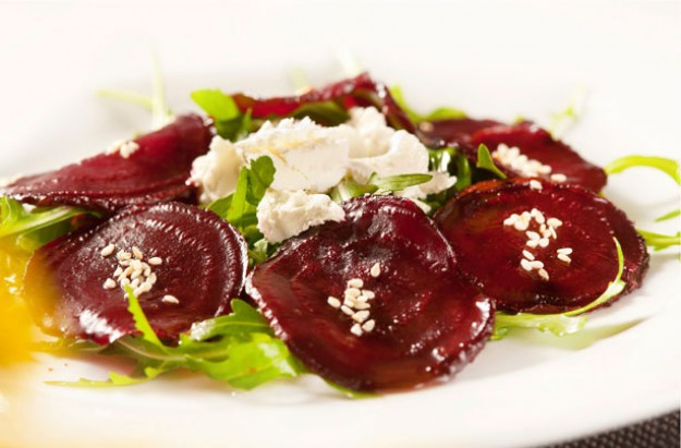 Warm letnil and beetroot salad