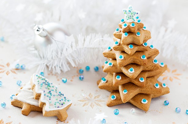 Christmas biscuits recipes: Iced gingerbread tree