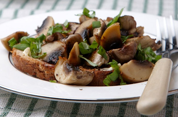 Chestnut Mushrooms on Toast