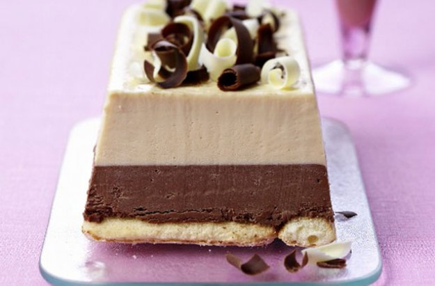chocolate salted caramel ice cream cake