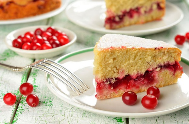 Cranberry and cream sponge