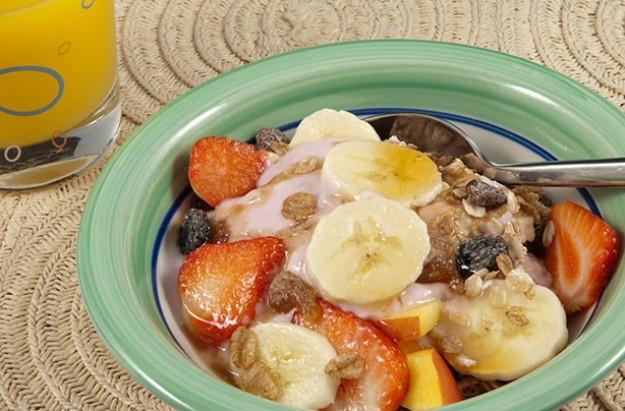 Fruit and Yoghurt Meusli